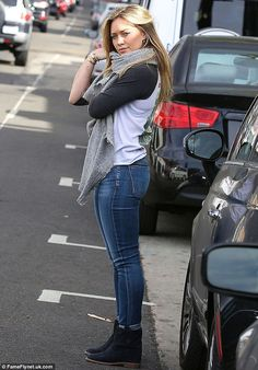 Hilary Duff <3 healthy figure
