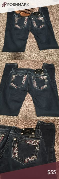 Miss Me skinny jeans!😍💕 These jeans are AWESOME and sooo COMFY. I paid A LOT for these brand new from the Buckle. Size 24 waist and regular inseam. No rips or tears. Smoke free home. In great condition. Such CUTE bling on the back pockets!! But not too much bling that it hurts to sit for long periods of time. I love these jeans, but they are unfortunately too small for me :( Let me know if you need any additional information! Thanks 😊💕 Miss Me Jeans Skinny