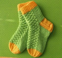 - Design Nore -: Kevään värejä Knitting Socks, Baby Knitting, Knitting Projects, Knitting Patterns, Knit Baby Dress, Cozy Socks, Lace Socks, Kids Socks, Fashion Socks