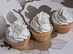 Pearly white cupcakes | Flickr - Photo Sharing!