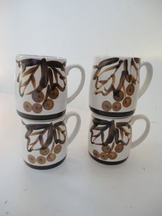 Vintage Howard Holt Off White Brown Berries by bonneyhillshop