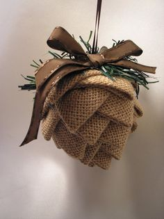 DIY Homespun Fabric Christmas Ornaments - Click through for detailed tutorial for 4 different kinds of DIY Christmas ornaments. They make great handmade Christmas presents! Primitive Ornaments, Fabric Christmas Ornaments, Burlap Christmas Tree, Pinecone Ornaments, Quilted Ornaments, Primitive Christmas, Rustic Christmas, Handmade Christmas, Christmas Diy