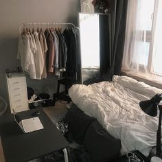 This is the perfect image for minimalist -studio- look alike room that i like the most, not like that one with plain white allover the room smh that's just boring as hell Room Design Bedroom, Small Room Bedroom, Room Ideas Bedroom, Home Room Design, Bedroom Decor, Bedroom Inspo, Minimalist Room, Aesthetic Room Decor, House Rooms