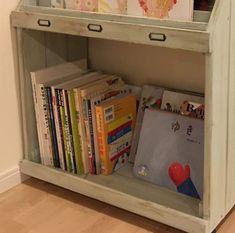 ディスプレイ本棚をDIY♪ 絵本やレシピを可愛く並べて収納。ワンバイフォーで作る、お子様のお片付けに便利なマガジンラックの作り方。   雪見日和