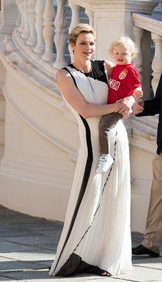 us.hellomagazine.com imagenes royalty 2017052239160 prince-albert-monaco-best-dad-fathers-day 0-208-27 EM2_2445-a.jpg