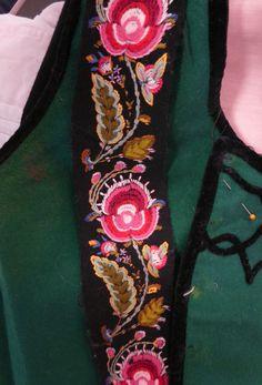 Fra utstilling, Tinn Håndverksenter East Of The Sun, Edwardian Dress, Ballet Costumes, Folk Costume, Norway, Hand Embroidery, Celtic, Scandinavian, Moon