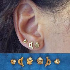 Mini Signs in 18 carat recycled gold with little diamonds🏙  #heirloom #madeinto #futureheirlooms #fremtidigearvestykker #jrsmithjewellery #danishdesign #danishmakers #artdeco #signs
