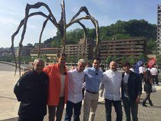 Josemi Olazabalaga en MasterChef3 en Bilbao junto a otros cocineros de Bizkaia y el equipo del programa.