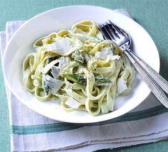 Stir up a bowl of perfect pasta to feed two people. We've got a selection of storecupboard spaghetti, pasta bake, gnocchi and romantic dinner dishes. Creamy Asparagus, Asparagus Pasta, How To Cook Asparagus, Asparagus Recipe, Veggie Pasta, Bbc Good Food Recipes, Vegetarian Recipes, Cooking Recipes, Fun Recipes