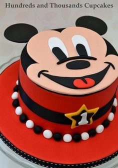 Mickey Mouse Cake. Best birthday cake ideas and birthday cake recipes. Best birthday cakes on Pinterest!