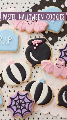 Fancy Cookies, Cute Cookies, Royal Icing Cookies, Sugar Cookies Recipe, Cupcake Cookies, Halloween Cookie Recipes, Halloween Sweets, Halloween Baking, Halloween Cupcakes