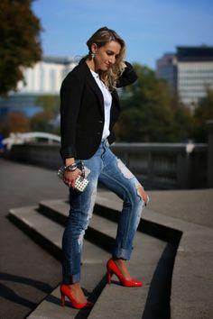 jeans, shoes - Mango / blouse - H&M / blazer - Zara / clutch - Forever 21 / earrings - Dyrberg Kern / ring - Thomas Sabo / bracelets - LookbookStore, Swarovski, Thomas Sabo / sunglasses - H&M