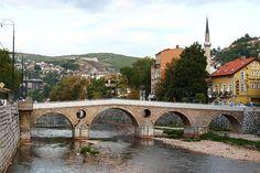 Die Lateinerbrücke, Ort des Attentats von Sarajevo 1914 // Sarajevo Lateinerbrücke ◆Bosnien und Herzegowina – Wikipedia http://de.wikipedia.org/wiki/Bosnien_und_Herzegowina #Bosnia_and_Herzegovina