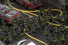 New York Explosion Ignites Fire, Fells Buildings and Injures at Least 19 - NYTimes.com