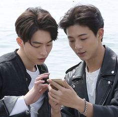 7 Bromantic photos of Ji Soo and Nam Joo Hyuk that give you life Ji Soo Nam Joo Hyuk, Lee Sung Kyung, Asian Actors, Korean Actors, Korean Dramas, Ji Soo Actor, Jong Hyuk, Joon Hyung, Bride Of The Water God