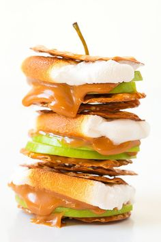 Caramel Apple Pretzel S'more — pretzel crisps + sliced granny smith apples + melted caramel or dulce de leche, + vanilla marshmallow, via @cookingclassy