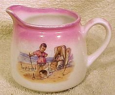 Victorian CHILD'S Lustre NURSERY Cream Milk Jug c18880-1900 Digging on the Beach