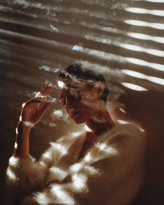 Ethereal And Atmospheric Female Portraits By Alessio Albi art inspo Schatten Kunst Film Photography, Creative Photography, Digital Photography, Photography Aesthetic, Photography Backdrops, Female Photography, Photography Studios, Photography Classes, White Photography