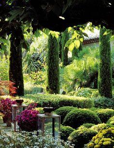 Vertical Bushes add interest to the garden.Pierre Berge - Chateau Gabriel in Deauville - Formal Gardens, Outdoor Gardens, Indoor Garden, Beautiful Landscapes, Beautiful Gardens, Dream Garden, Home And Garden, Landscape Design, Garden Design
