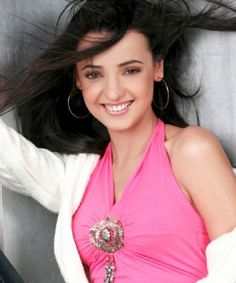 No Bollywood hunks for Sanaya Irani!