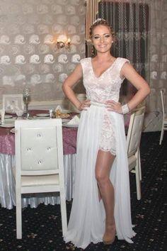 Rochie de seara alba Formal Dresses, Fashion, Dresses For Formal, Moda, Formal Gowns, Fashion Styles, Formal Dress, Gowns, Fashion Illustrations