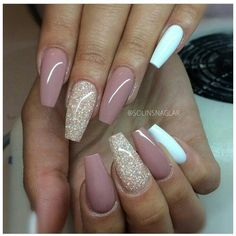 18 beige nails for your next manicure - Nageldesign & Nailart - glitter nails summer Coffin Nails Long, Long Nails, Pink Coffin, Short Nails, Cute Nails, Pretty Nails, Fancy Nails, Acrylic Nail Designs, Nail Art Designs