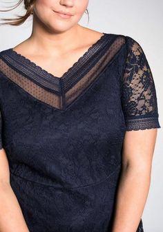 Abendkleid aus floraler Spitze – blau Sheego, V Neck, Tops, Women, Fashion, Lace, Gown Dress, Blue, Gowns