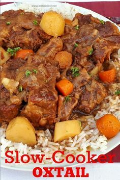 This Oxtail cooked in the Slow-Cooker turns out so tender and fall-off-bone - with a delicious rich sauce Oxtail Recipes Crockpot, Crockpot Dishes, Beef Dishes, Cooker Recipes, Beef Recipes, Recipies, Curry Recipes, South African Oxtail Recipe, South African Recipes