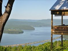 VRBO.com #406110 - View Wow!! Secluded ,Gated ,Cabin ,Lake, Chattanooga 25 Miles