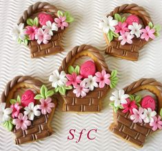 Sugar flowers Creations-Nicky Lamprinou: Πασχαλινές δημιουργίες - Μπισκότα Πασχαλινά καλαθάκια