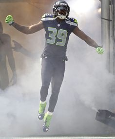 Former Seahawks cornerback Brandon Browner signs a deal with New England on 3/14/2014! Welcome to Foxboro!