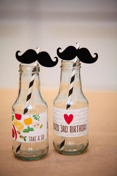 Pizza Themed Birthday Party with REALLY CUTE IDEAS : The drink bottles