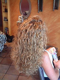 nicely done long spiral perm. I'd perm my hair if it would look like this! Perms Before And After, Body Wave Perm, Air Dry Hair, Pretty Hairstyles, Quince Hairstyles, Long Permed Hairstyles, Long Curly Haircuts, Gray Hairstyles, Long Curly Hair