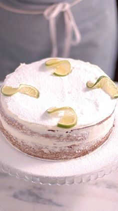 Naked Lime Cake Whether you use lemon or lime, this citrusy cake is beautiful with or without thick layers of frosting. Lemon Recipes, Sweet Recipes, Cake Recipes, Dessert Recipes, Food Cakes, Cupcake Cakes, Cupcakes, Lime Cake Recipe, Bolos Naked Cake