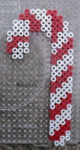 Christmas candy cane hama perler beads by Les loisirs de Pat