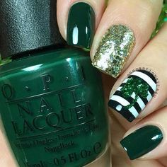Dark Green St Patrick's Day Nails