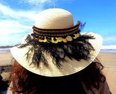 https://www.facebook.com/ccrazyacessorios Aplicação de botas que pode ser usada em chapéu. Application for hat