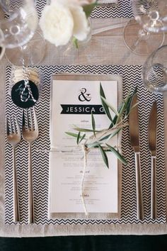 Natural wedding table setting!!
