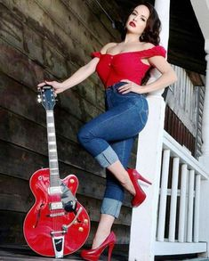 Sierra I would love to see you in this outfit Pin Up Rockabilly, Rockabilly Outfits, Rockabilly Fashion, Retro Fashion, Vintage Fashion, Pin Up Fashion, Curvy Fashion, Outfit Essentials, Poses Pin Up