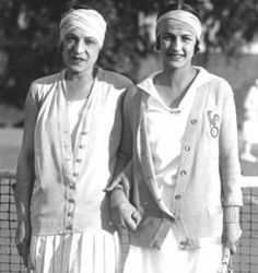 Suzanne Lenglen and Julie Vlasto 1926 Tennis Cardigan Sweaters and Bandeau Headwrap. http://www.vintagedancer.com/1920s/ladies-1920s-sweaters/