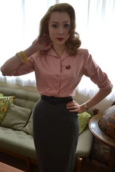 Vivien of Holloway pencil skirt review and a lovely image of retro pencil skirts