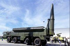 Iskander (SS-26 Stone, según la designación de la OTAN), destinado para destruir objetivos en la profundidad de las tropas enemigas. Puede portar arma nuclear táctica. El sistema también puede estar dotado de misiles de crucero R-500 con un alcance superior a 2.000 km