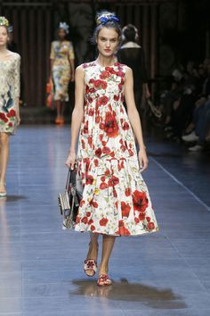 dolce-and-gabbana-summer-2016-women-fashion-show-runway-65