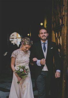 Lucia & Antoine Wedding in Seville. Gorgeous Romantic Dress and Headpiece by Cherubina. Headpiece, Wedding Inspiration, Wedding Ideas, Vogue, Romantic, Wedding Dresses, Seville Spain, Wedding Shit, Photo Ideas
