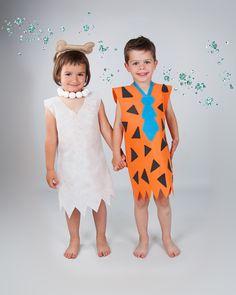 DISFRAZ PEDRO Y VILMA Menudos cavernícolas !!! #Disfraz de los #picapiedra con material #bondy  #bondyparadisfrazar www.dobondy.com