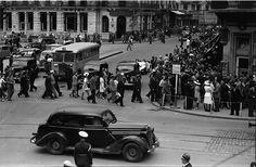 Calea Victoriei la intersecția cu Bulevardul Elisabeta, anul 1941.   Foto: Willy Pragher