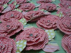 Bee In My Bonnet: Paper Flowers Tutorial