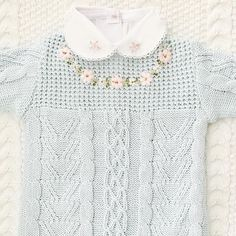 A primavera chegou!!! E com ela o colorido das flores para as roupas das meninas! 🌸🌿🌸🌿🌸🌿🌸🌿🌸. Informações e valores pelo WhatsApp (11) 98141-7693. #bebe #baby #enxoval #enxovalbebe #enxovaldebebe #enxovalmaternidade #maternidade #enxovalmenina #trico #gravida #gravidez #gemeos #tricobebe #tricoparabebe #enxovaldetrico