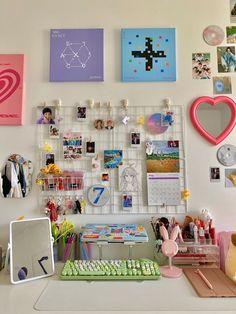 Army Room Decor, Indie Room Decor, Study Room Decor, Cute Room Decor, Indie Dorm Room, Room Design Bedroom, Room Ideas Bedroom, Bedroom Inspo, Room Ideias