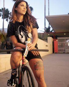 Maila - Beautiful Cyclist of the Street Page 6 of 12 UNU Cycling Bicycle Women, Road Bike Women, Bicycle Girl, Bmx Girl, Biker Girl, Female Cyclist, Maila, Mountain Bike Shoes, Cycling Girls